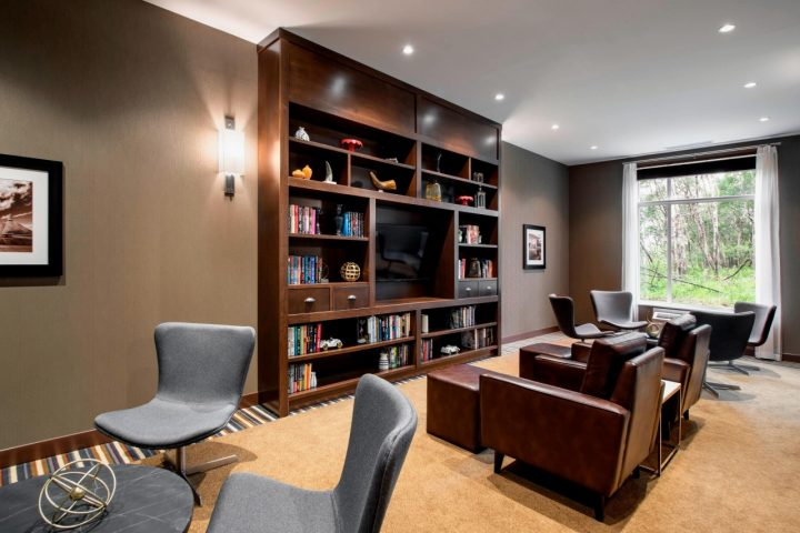four points library - stay in grande prairie