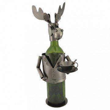 A moose statue
