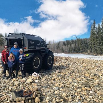Shredded Peak Sherp Vehicle and family